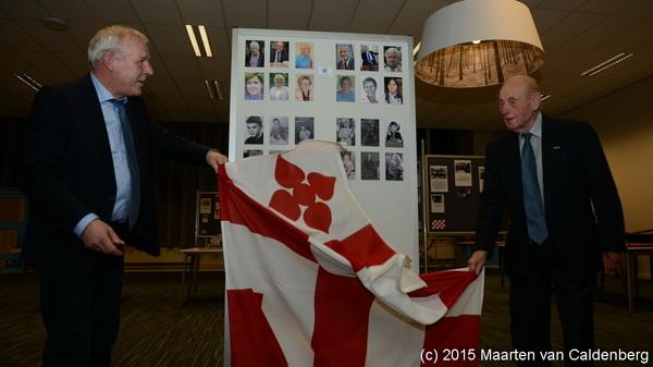 Zaterdag opende @JosvanSon de tentoonstelling 120 grote Rosmalense gezinnen op @Rodenborch #rosmalen