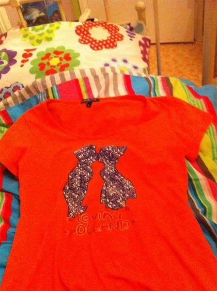 Dit shirt kan ook wel weer opgevouwen in de kast.... Tot over 2 jaar...:( #porned #verdrietig
