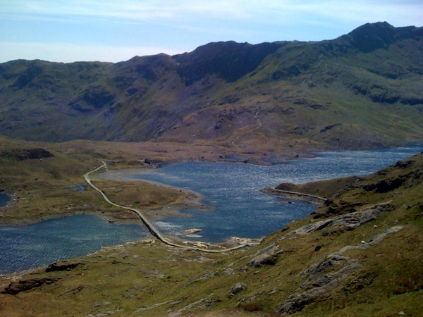 Llyn Llydaw reservoir and the Miners Track from the Pyg Track, Snowdon