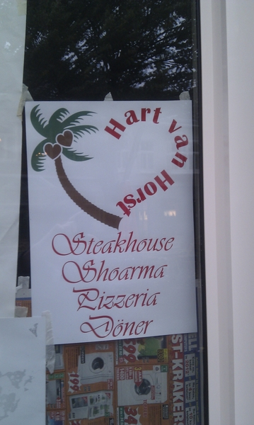 Wat een mooie naam en logo voor een shoarmakraam