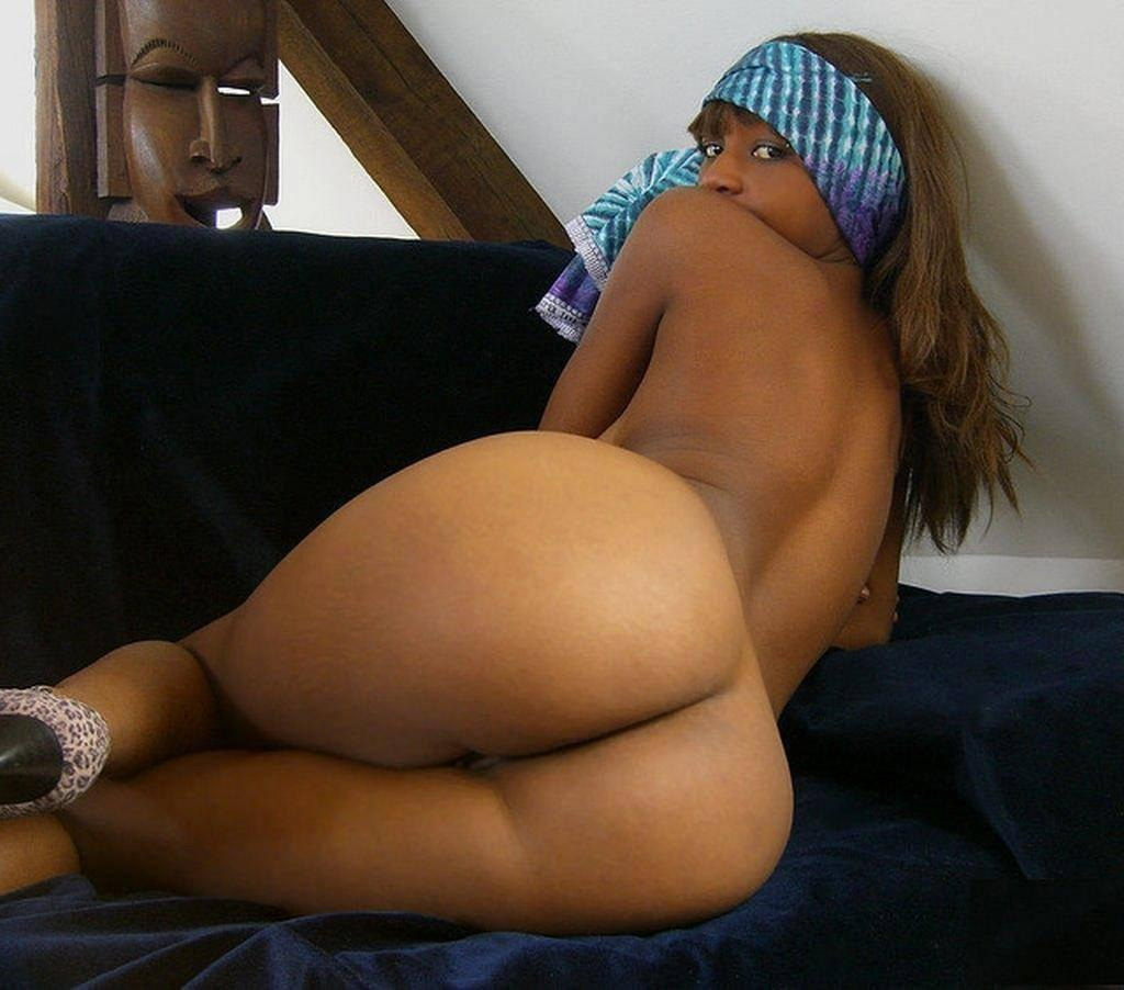 Big black bums milfs nude pics