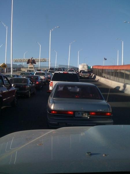 Puente Internacional de Córdova Cd. Juárez - El Paso Texas. 1 hora para cruzar mas o menos... #ReportedePuentes