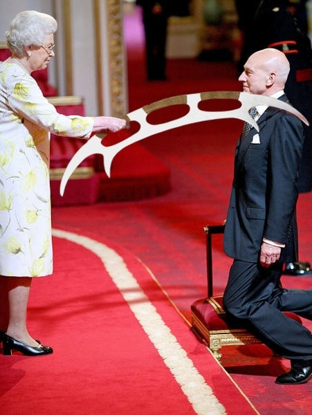 Official Buckingham Palace Photo: Patrick Stewart gets Knighted! #bydhttmwfi