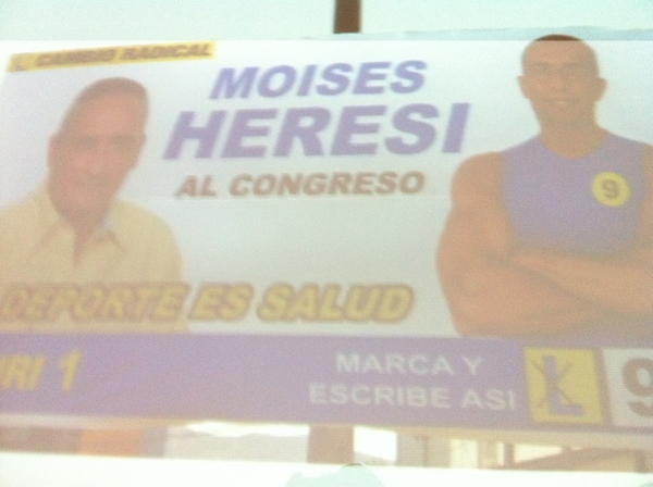 Full candidatos Photoshop en el Perú vía @miguelantezana en la #cumbre2011