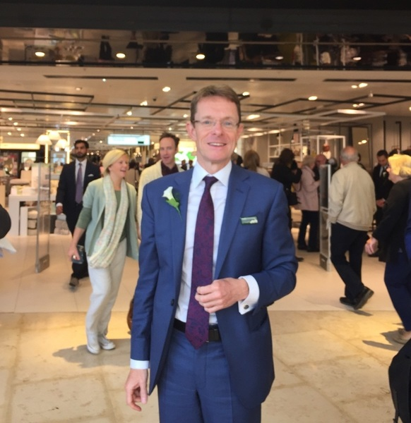 AndyStreet MD @johnlewisretail at launch of  @GrandCentralBNS just now. #inn_sights @stephbreakfast  @retailweek