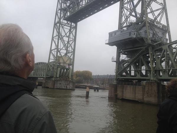Druk bezig met montage voor live uitzending #hefbrug #zondag @rtv_rijnmond #brugwachter