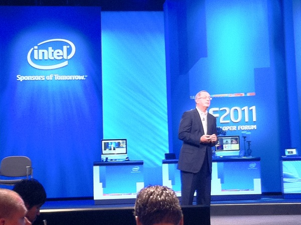 Intel CEO Talks About New Smartphone Atom Reference Design at #IDF2011