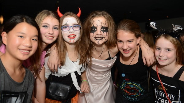 In @dekentering #rosmalen is vanavond de @sjvrosmalen #halloween #disco