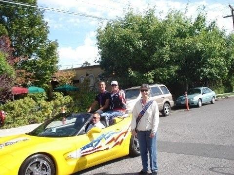 My Ecuadorian Momma and @Olympics Decathlon #Winner @AshtonJEaton in a @chevrolet Corvette #inBend.
