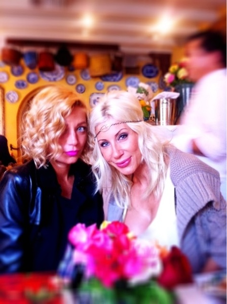 Me & 1 of the English birds @chloebale at lunch :)