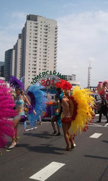 #zomercarnaval is gestart stipt op tijd door humphrey , warm en zon in #rotterdam