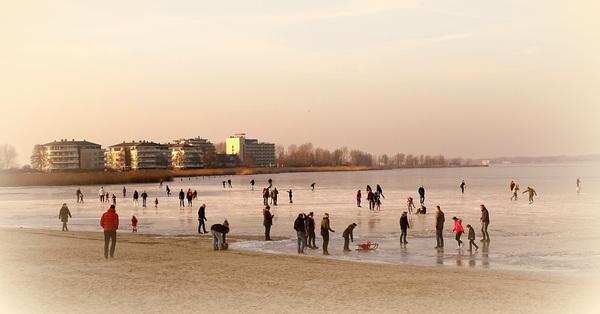 IJspret op het Gooimeer in Huizen #buienradar