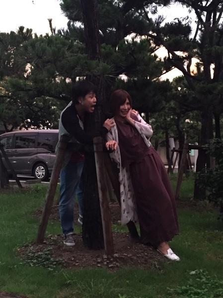 昨日の新潟ロケで待機中〜   ノンスタ井上さんと青春バカップルごっこw