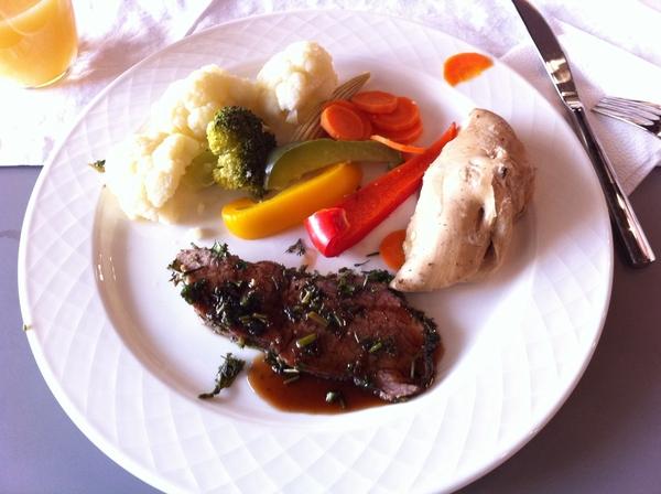 """Ужин перед отъездом, готовил всё это лично! Ужасно вкусно и легко! Огромное спасибо компании """"ХОМТЕК"""" и лично Андрею Донских."""