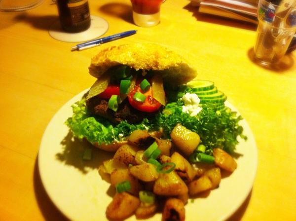 Fastfood time. Hamburgers uit eigen keuken.