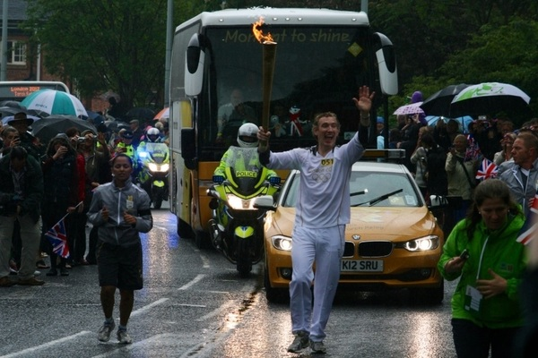 Day off to watch #olympic #torchrelay #2012 #knutsford
