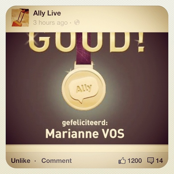 De @allylivelink medaille voor @marianne_vos! 1200 likes and ongoing! #os2012