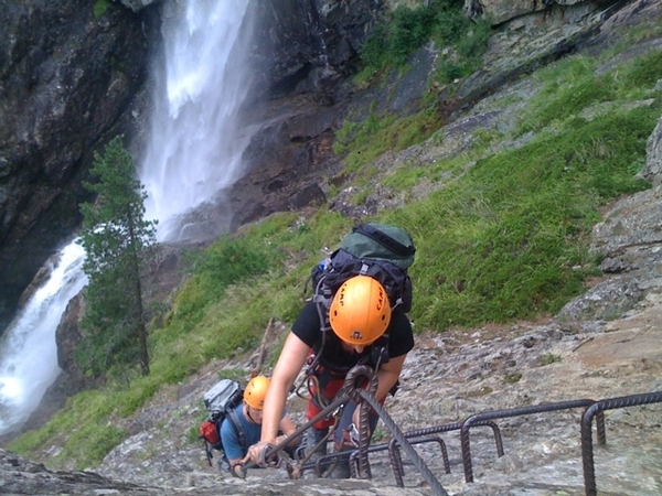 And the afternoon a Via Ferrata-Klettersteig along a waterfall-exhausting but awesome!
