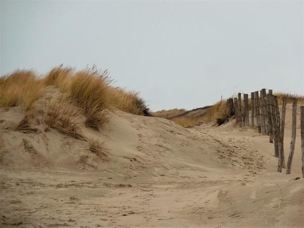 Aan het strand stil en verlaten.. #buienradar