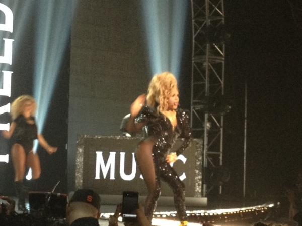 Lil Kim just turned it out at RIP THE RUNWAY I was shocked wow