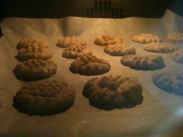 eerste paasdag; koekjes bakken