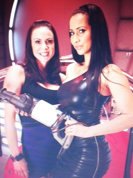 Me with the one of  sexiest girls ever!! @IsisLove before our shoot together she is #amazing
