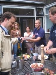 #Oester en champagne borrel bij mijn hartsen met oa @eaderigt en @hsanders http://prbt.nl/DC33E3F3 #projectbt