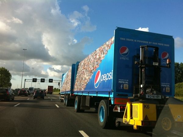"""This truck is powered by our Pepsi fans"" #pepsi #facebook #ava"