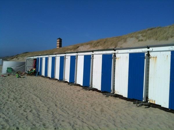 Lekker dagje strand was dat, volgens mij wist bijna niemand dat het al zo lekker was #lovezeeland