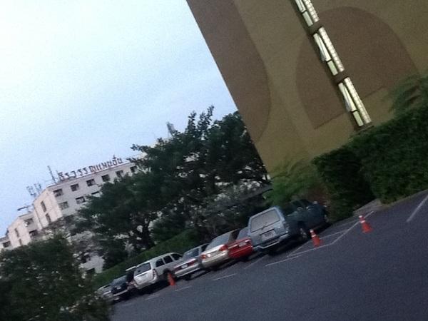 @ZephyThor @shoompon @phetinth เช่านี่เลย อยู่หลังออฟฟิศ ใกล้ mrt เดินไปทำงาน ไม่ต้องเสียค่ารถ