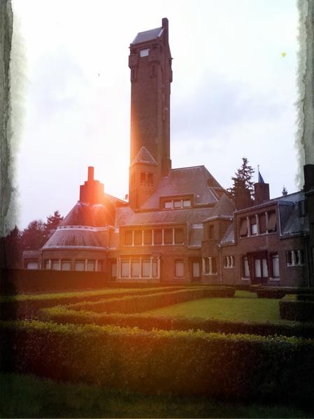 Het Jachthuis Sint Hubertus op de Hoge Veluwe .