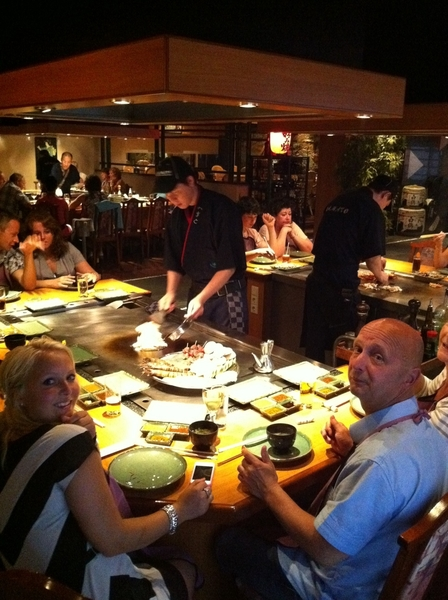 RT @Petravld Lekker 9 gangen menu gegeten bij de Japanner :)  http://moby.to/rbfqtf