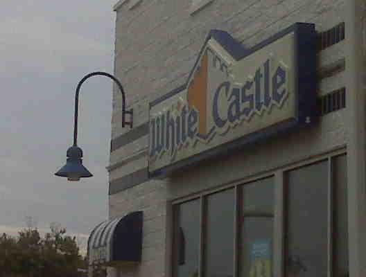 Tina and Beauty Ninja go to White Castle