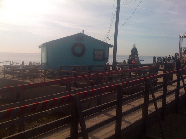 The cottages are decorated for Christmas at Crystal Cove Beach. #SoCaltweet