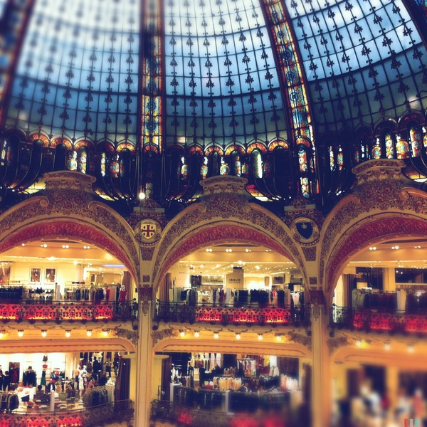 Now THAT is a Grande Magasin!