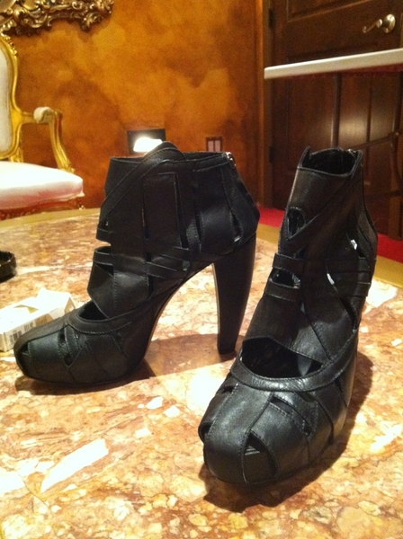 SHOE-LOVERS: Found these Dior platforms at my photostudio that are too big for me! Any size 39's out there?