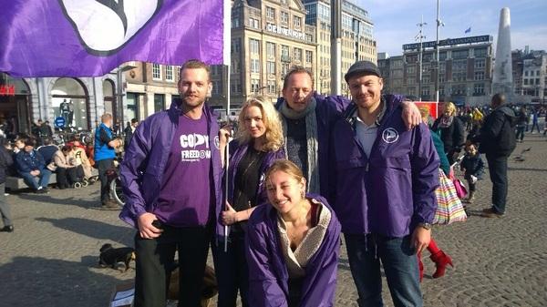 Ontzettend leuk campagne gevoerd op de Dam vandaag voor @PP_amsterdam! Onze thema's leven ontzettend merken we.