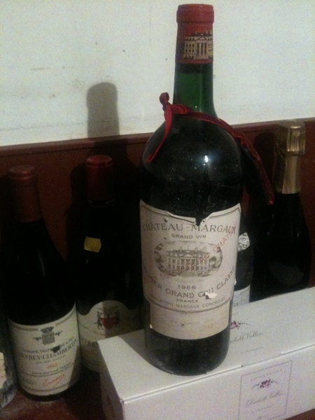 Is going to open this bottle of wine Chateau Margaux Premier Grand Cru Classé 1966 #Christmas
