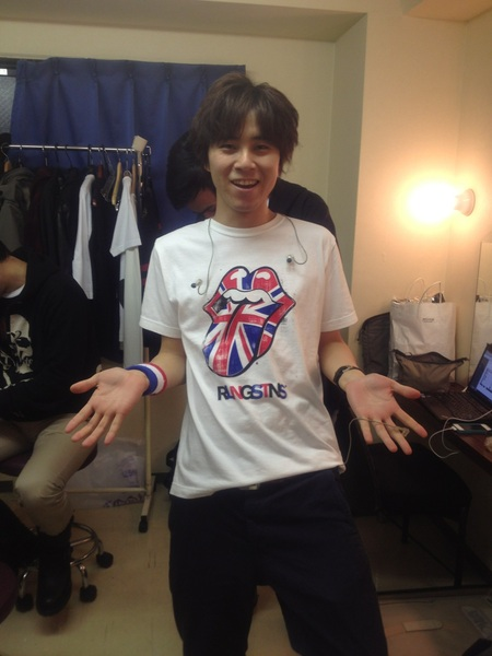僕デザインのストーンズシャツを磯貝君が着てくれました(^_^)