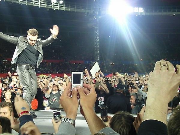 Bono staat niet stil #Vienna #U2