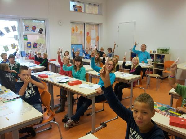 Feest! Opening nieuwe school van Joep en Niels.. Daar hoort een traktatie bij! Erbensnatuurijs!!!