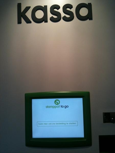 Zelf je bestelling plaatsen via het touch screen, want dat is hip #stamppottogo