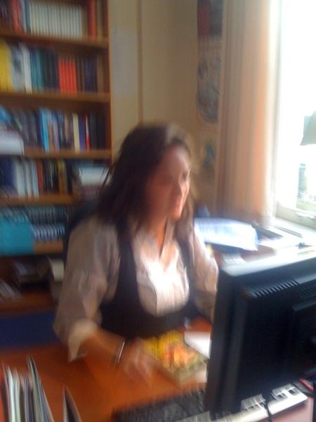 Bakkie doen bij @Mvdoorn en @riannablaakmeer. Er komt een leuke schrijfwedstrijd aan.