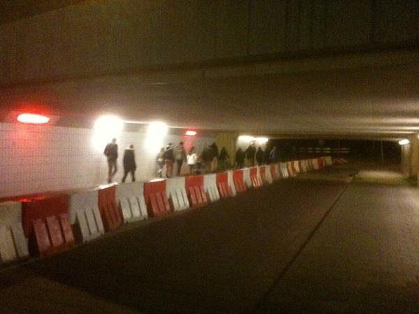 #Glow13-volk loopt door verlichte Boschdijktunnel Fellenoord