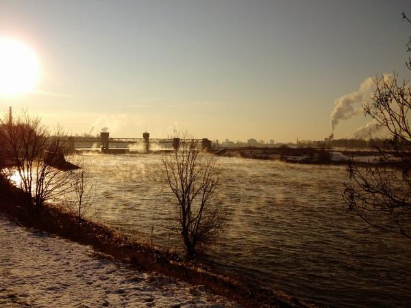 Práchtig bij de stuw/sluizen vanochtend!! #koud #ijs #sneeuw #maastricht #stoom