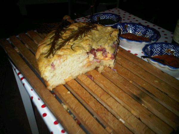 Heerlijk boerenbrood bij @verkoren dinner. Als alle boeren zo brood eten..