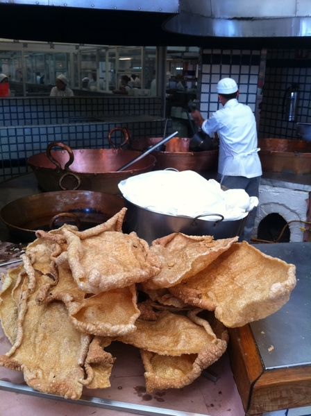 Arroyo: walking in, all guests r greeted w the chicharrón station :P Llife is good.