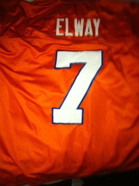 Going old skool today Ha ha nuggets beat heat Pats are +13 at home playing a 8-8 team but I think  @TimTebow gonna win