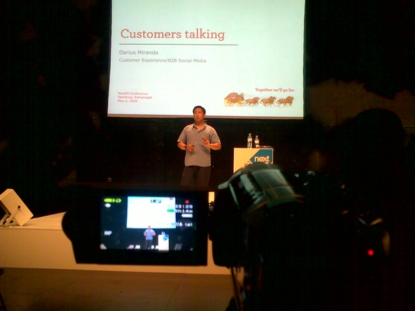 "Darius Miranda from Wells Fargo sharing his thoughts and ideas around ""Customers Talking"" #next09"