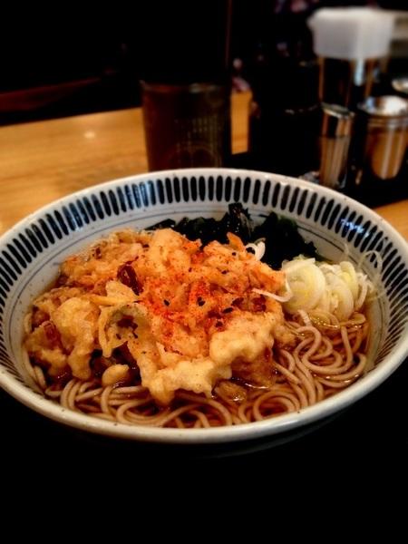 しぶそば本店、渋谷駅。かき揚げそば、二子玉より量が多い気がする #tachisoba #路麺